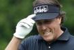 Phil Mickelson sigue al frente del US Open