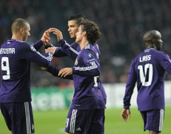 Real Madrid pasea al Ajax en Holanda, 4-0